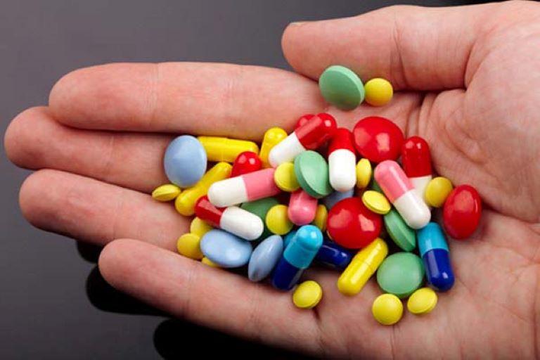 Nên cẩn thận khi sử dụng thuốc Tây y bởi chúng có dược tính mạnh