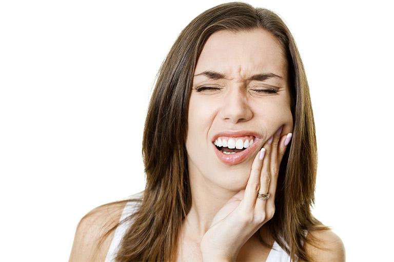 Cơn đau răng luôn gây ra những cơn đau nhức phiền toái, có thể khiến không ít người phải cáu khi mắc phải tình trạng này