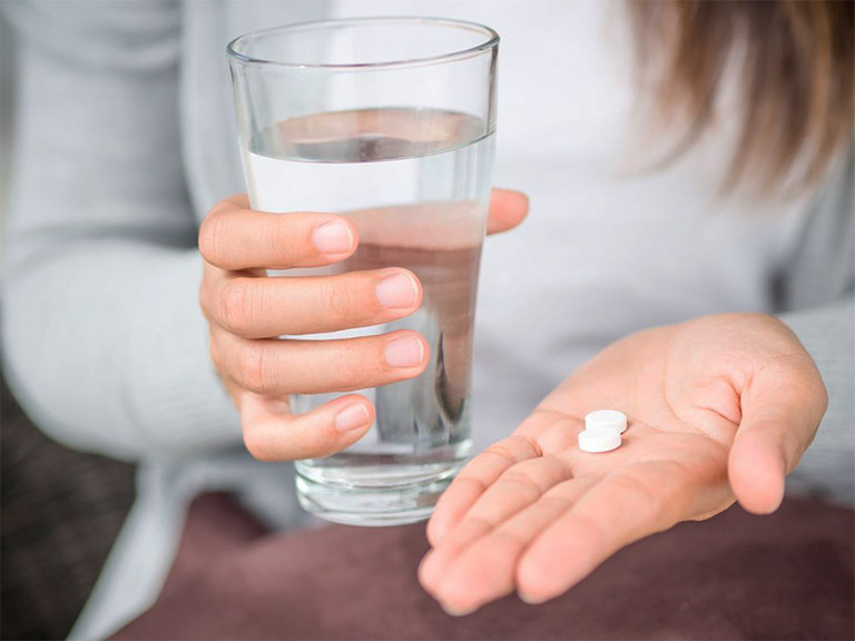 Sử dụng thuốc giảm đau răng cấp tốc sau mỗi bữa ăn ít nhất khoảng 30 - 40 phút