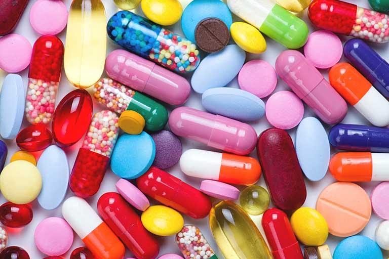 Thuốc kháng sinh được sử dụng nhiều trong quá trình điều trị bởi công hiệu trị nhanh và tiện lợi