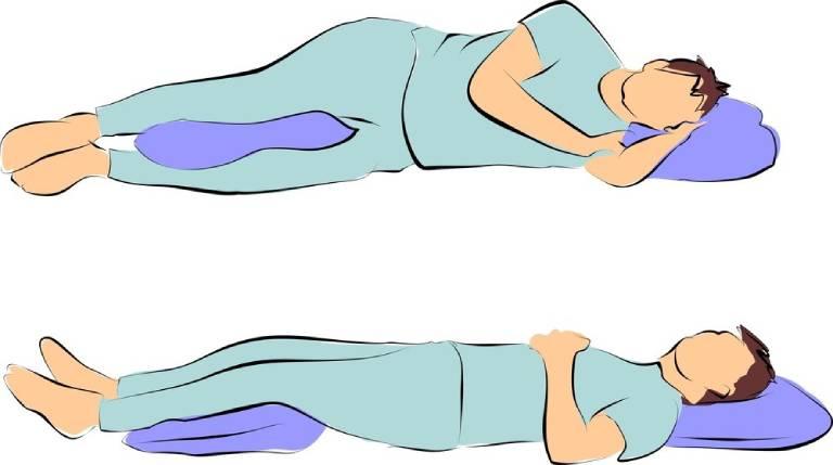 Cách đặt gối kê ở tư thế nằm ngửa và nằm nghiêng