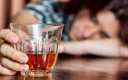 Uống rượu xong bị tê tay có nguy hiểm không?