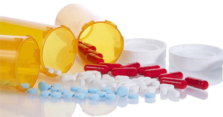 Tuân thủ chỉ định của sử dụng thuốc Tây y của bác sĩ trong việc điều trị bệnh viêm nướu răng