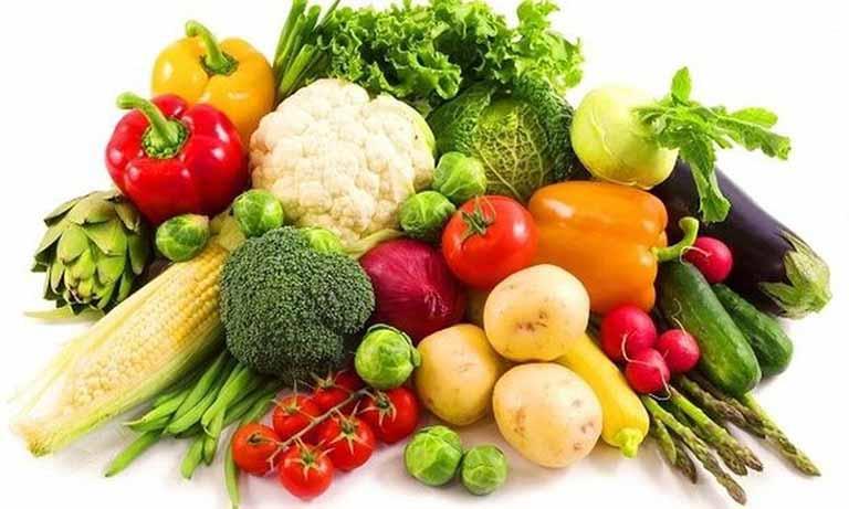Các loại rau xanh, hoa quả chứa nhiều vitamin luôn là ưu tiên hàng đầu trong hỗ trợ điều trị viêm tuyến tiền liệt