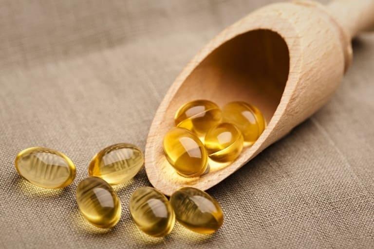 Vitamin E ngoài tác dụng dưỡng da còn giảm ê buốt răng hiệu quả.