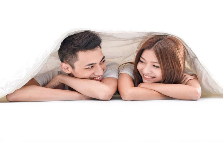 Vợ chồng nên quan hệ đều đặn và điều độ để cải thiện khả năng thụ thai