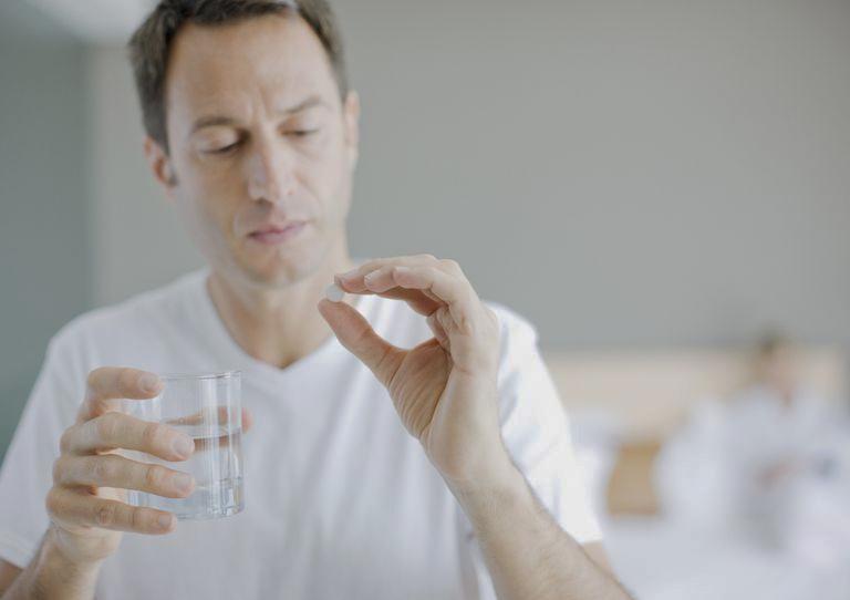 Cải thiện tình trạng xuất tinh chậm bằng thuốc Tây y