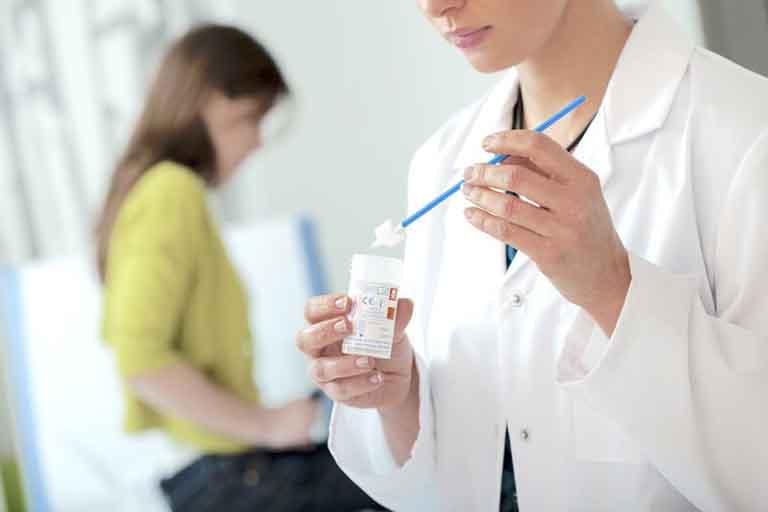 Một số xét nghiệm thường thấy trong chẩn đoán viêm vùng chậu là: xét nghiệm nước tiểu, xét nghiệm dịch âm đạo, xét nghiệm dịch tử cung,...