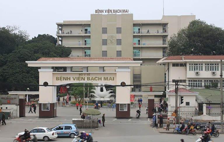 Bệnh viện Bạch Mai là một trong 3 trung tâm khám chữa bệnh lớn tại Hà Nội