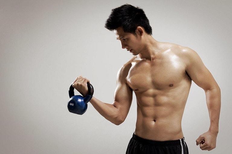 Tập thể dục thể thao đều đặn là cách tốt giúp nam giới đẩy lùi chứng thận yếu