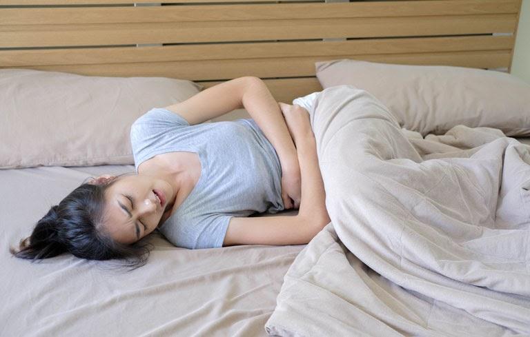 Đau bụng kinh dữ dội kiến Hương Ly phải dùng thuốc giảm đau thường xuyên
