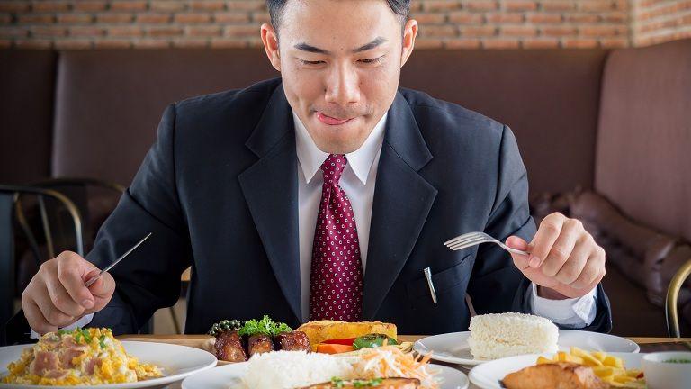 Ăn uống thiếu khoa học là nguyên nhân gây chướng bụng đầy hơi