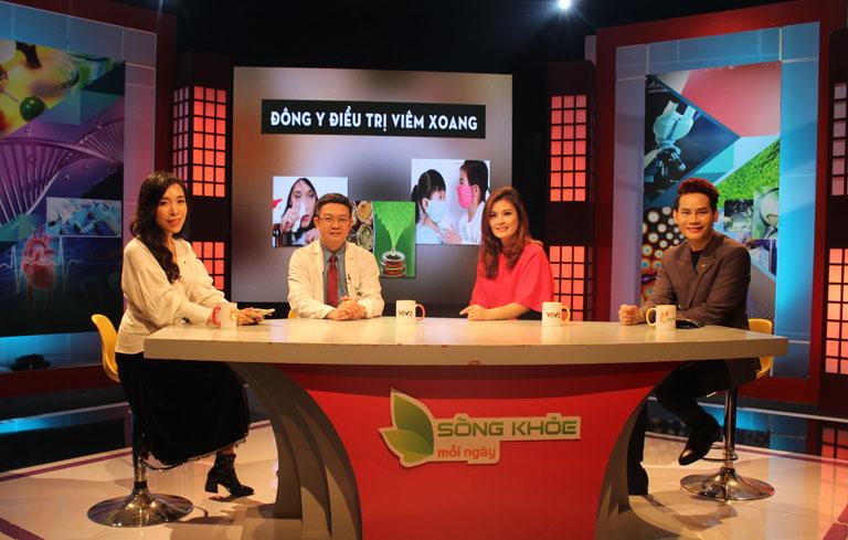 Diễn viên Hoa Thúy tham gia chương trình với vai trò khách mời