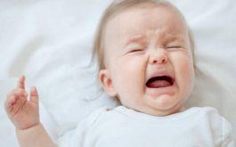 Nhiệt miệng khiến trẻ biếng ăn, hay quấy khóc