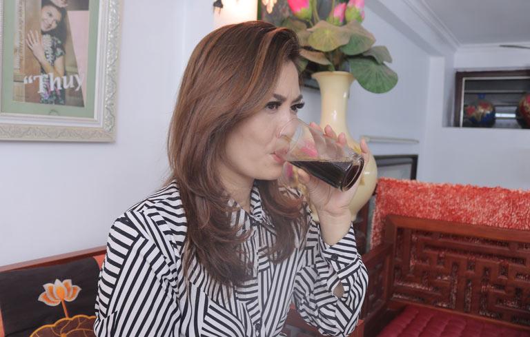 Nữ diễn viên sử dụng thuốc nam Đỗ Minh Đường chữa viêm xoang