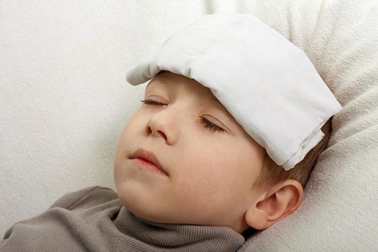 Tiêm phòng viêm gan B có bị sốt không