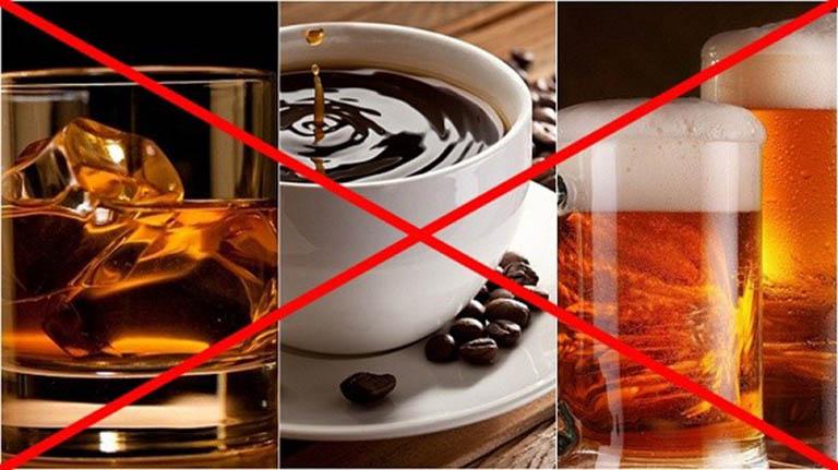 Rượu, bia, chất kích thích là nhóm thực phẩm người bị viêm gan B cần tuyệt đối tránh xa