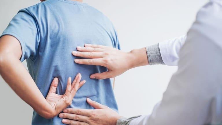 Các bài tập cho người bị viêm cột sống dính khớp