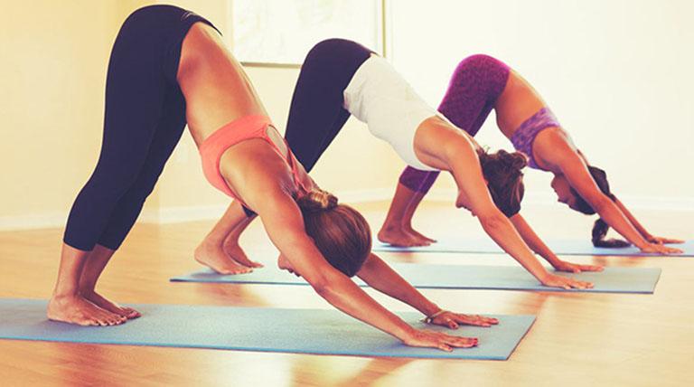 Tập yoga có tác dụng hỗ trợ điều trị và phòng ngừa đau thần kinh tọa rất hiệu quả
