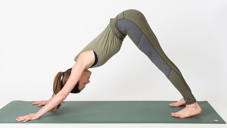 bài tập yoga chữa gai cột sống