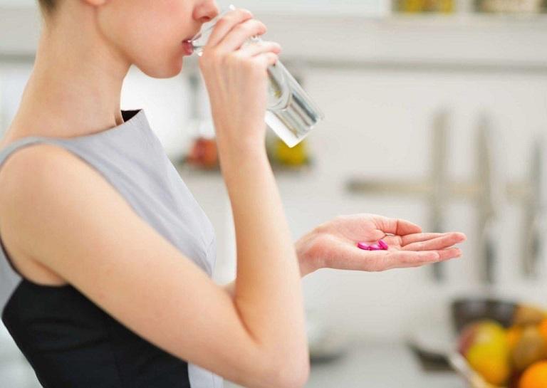 Tự ý uống thuốc không theo chỉ định của bác sĩ dễ gây nhờn thuốc, ảnh hưởng đến sức khỏe