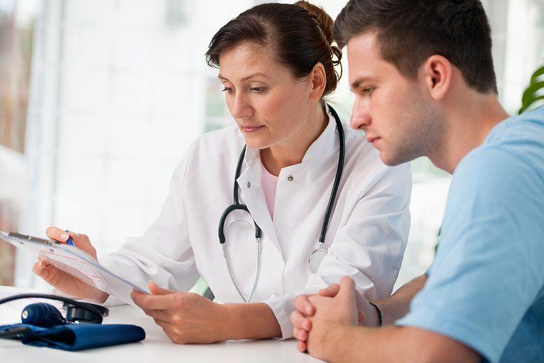 Việc điều trị muộn khiến bệnh ngày càng trầm trọng và dễ gây biến chứng