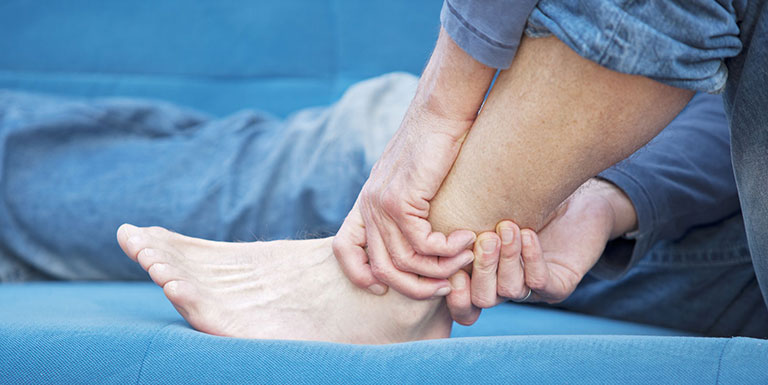 Chân bị tê mất cảm giác là bệnh gì
