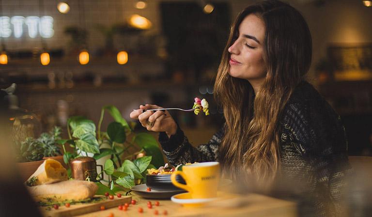 Chế độ ăn cho người viêm loét dạ dày