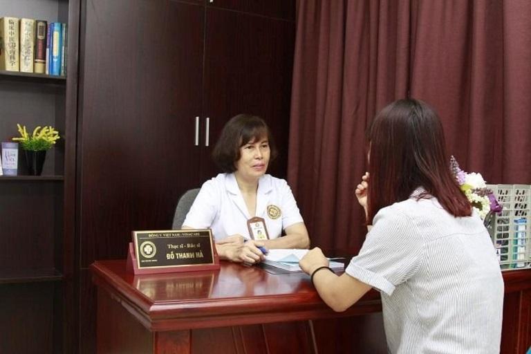 Bệnh nhân chữa rụng tóc tại Trung tâm Da liễu Đông y Việt Nam