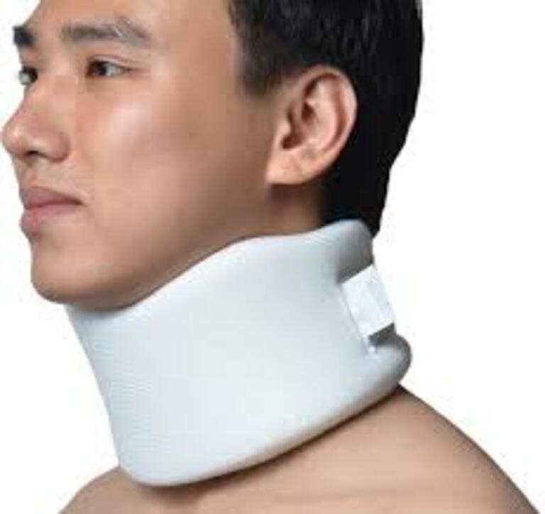 Có thể dụng nẹp cố định sau mổ thoát vị đĩa đệm để hạn chế tác động đến vết thương.