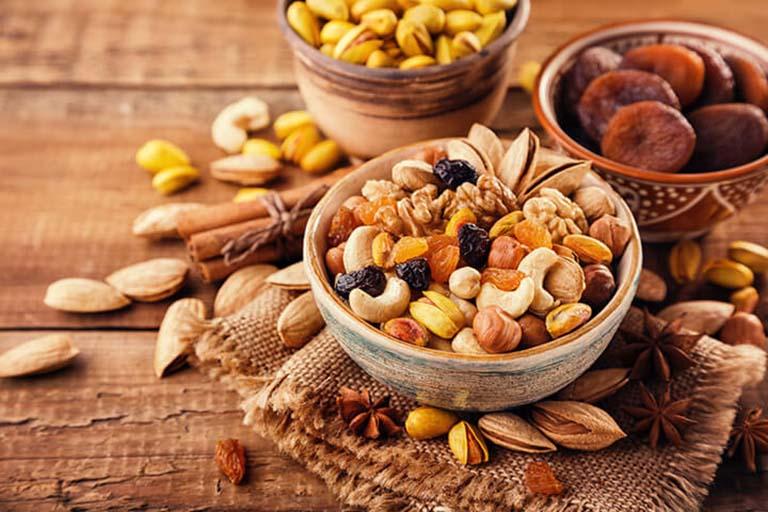 Các loại hạt chứa rất nhiều chất béo tốt cho sức khỏe và ngăn ngừa gan nhiễm mỡ chuyển biến nặng