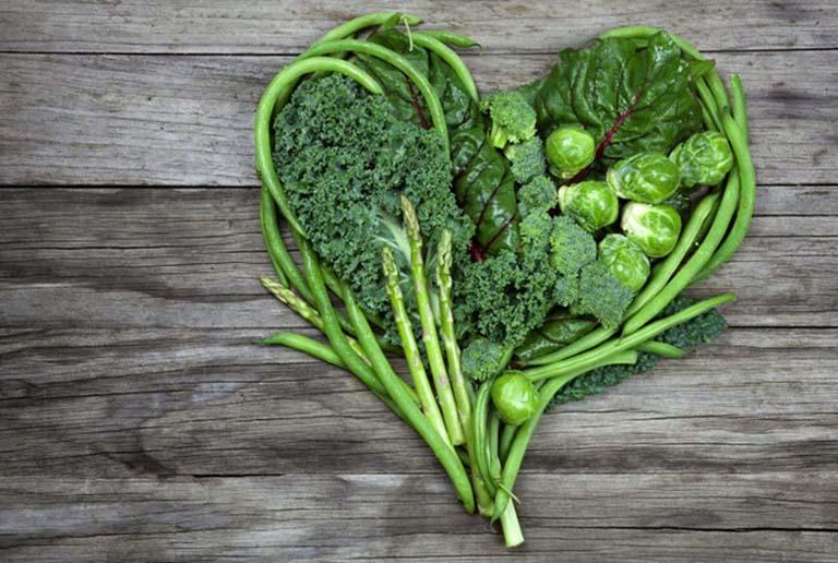 Người bị gan nhiễm mỡ nên tăng cường bổ sung vào chế độ ăn uống các loại rau xanh đậm