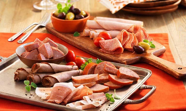 Nên hạn chế sử dụng các loại thực phẩm chế biến sẵn gây ảnh hưởng xấu đến sức khỏe và tăng men gan