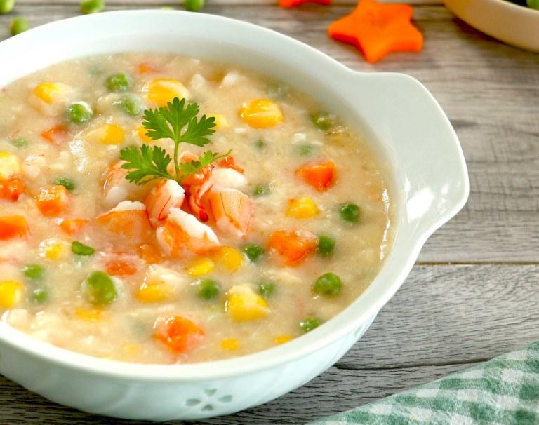 Nên chế biến món ăn dưới dạng mềm và lỏng để tránh gây áp lực tiêu hóa cho dạ dày