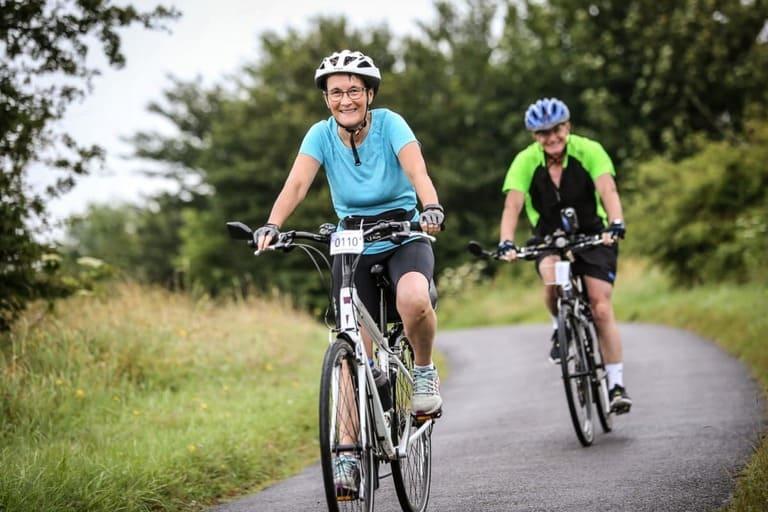 Người thoát vị đĩa đệm có nên đi xe đạp?