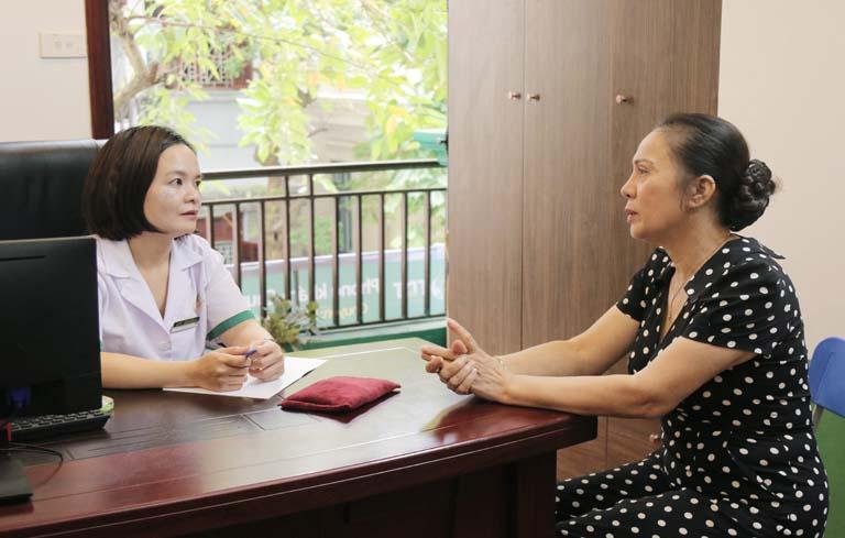 NSUT Hương Dung trị mất ngủ thành công tại Trung tâm Thuốc dân tộc