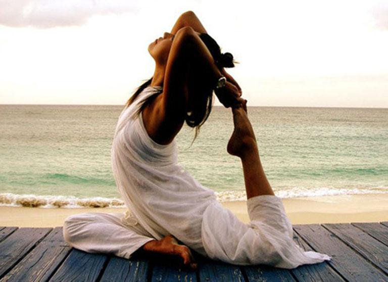 Tập yoga là phương pháp phòng ngừa gai cột sống rất hiệu quả