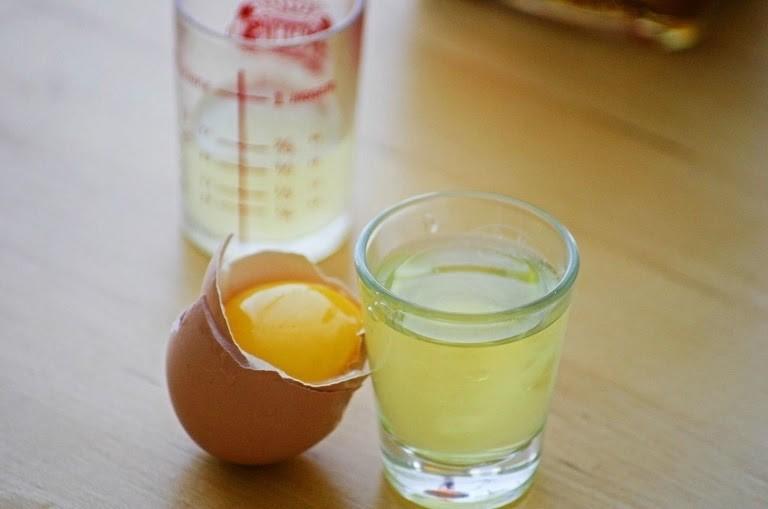 Lòng trắng trứng gà có tác dụng điều trị dị ứng da mặt