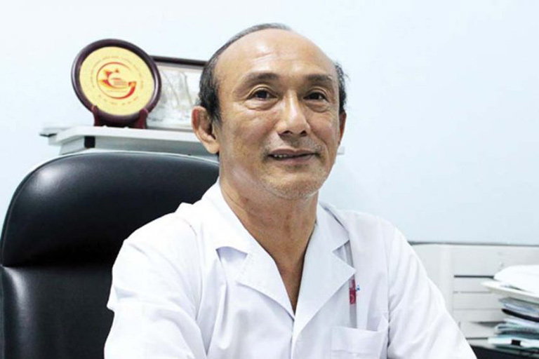 Bác sĩ Vũ Lê Chuyên