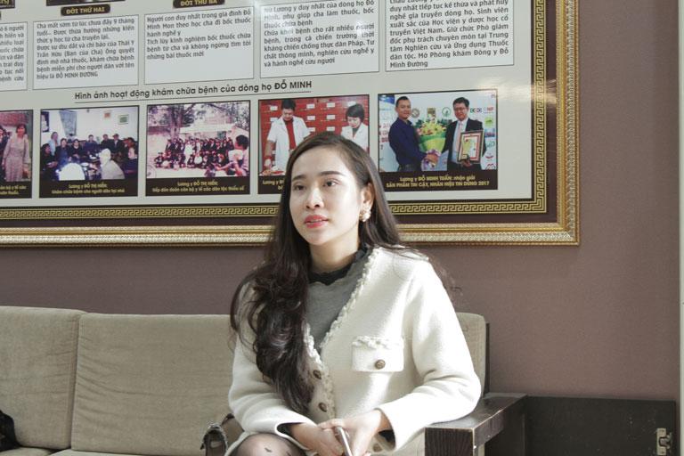 Chị Hồng Nhật tại nhà thuốc Đỗ Minh Đường