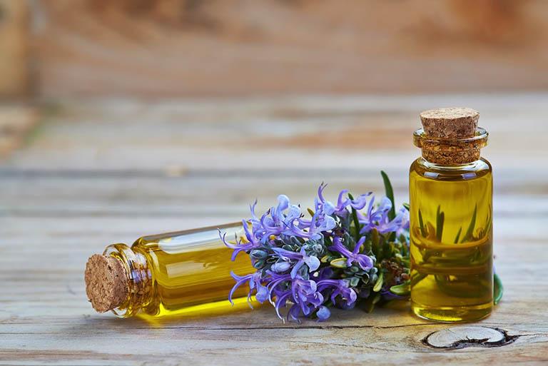 Bài thuốc từ hương thảo giúp tóc óng mượt, trị rụng tóc và bạc tóc sớm