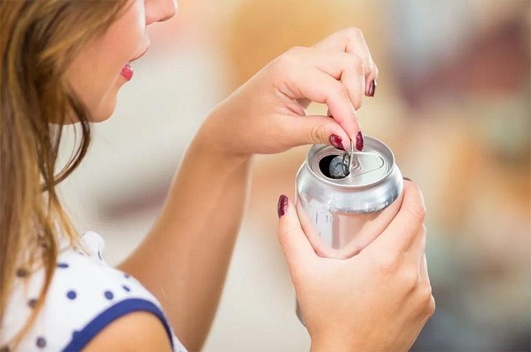Không nên uống nước ngọt hay nước có gas trước khi làm kiểm tra vi khuẩn bằng hơi thở
