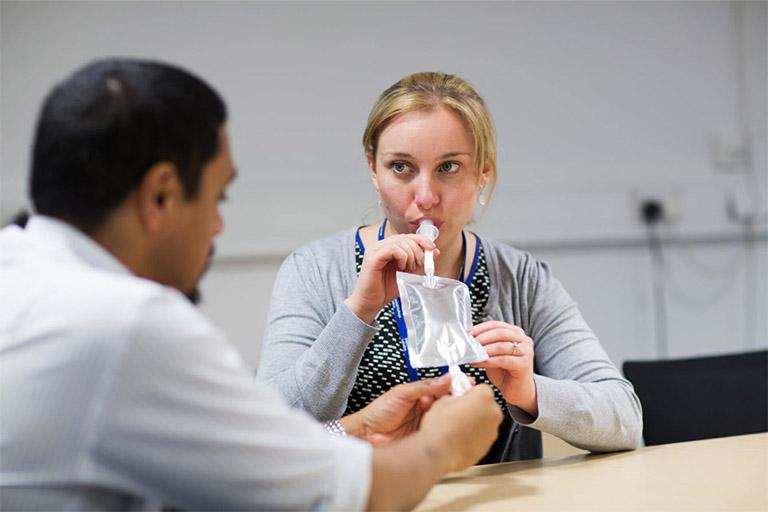 Test vi khuẩn HP bằng hơi thở được giới chuyên môn đánh giá là an toàn, không xâm lấn, không gây đau đớn và cho ra kết qảu chính xác