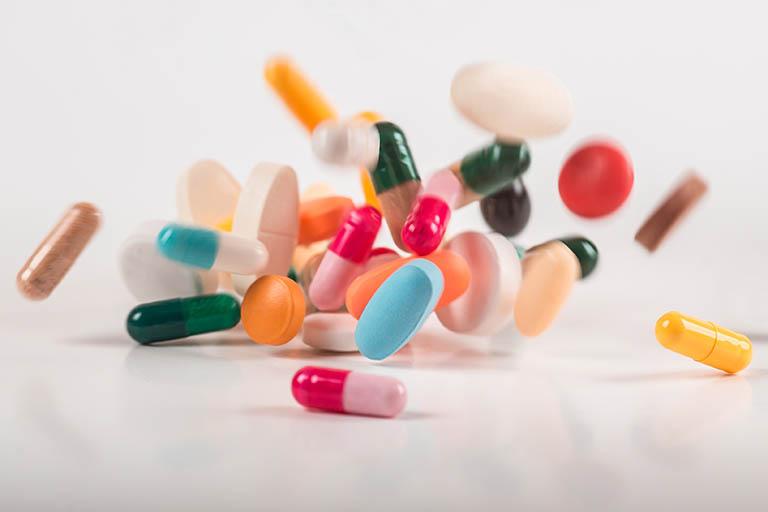 Đối với những viêm niệu đạo do vi khuẩn, tình trạng viêm nhiễm có thể được chữa khỏi bằng thuốc kháng sinh