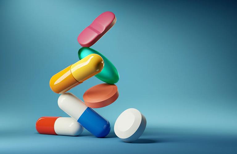 Thuốc kháng sinh không hỗ trợ làm teo khối polyp trong khoang mũi nhưng có tác dụng điều trị các biến chứng có khả năng xảy ra