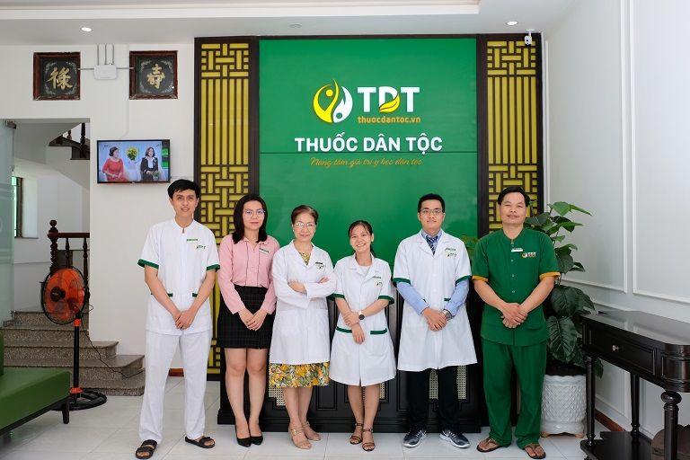Khi đến Trung tâm Thuốc dân tộc 145 Hoa Lan bệnh nhân được coi như người nhà