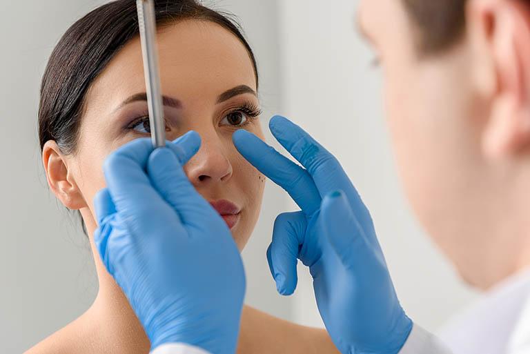 Thăm khám sức khỏe theo lịch hẹn để kiểm tra cấu trúc mũi hoặc xuất hiện các triệu chứng bất thường không rõ nguyên do