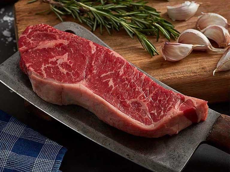 Trong khoảng 3 - 4 tuần sau khi mổ lệch vách ngăn mũi không nên ăn thịt bò hay một số thực phẩm khác để tránh tình trạng xuất hiện sẹo