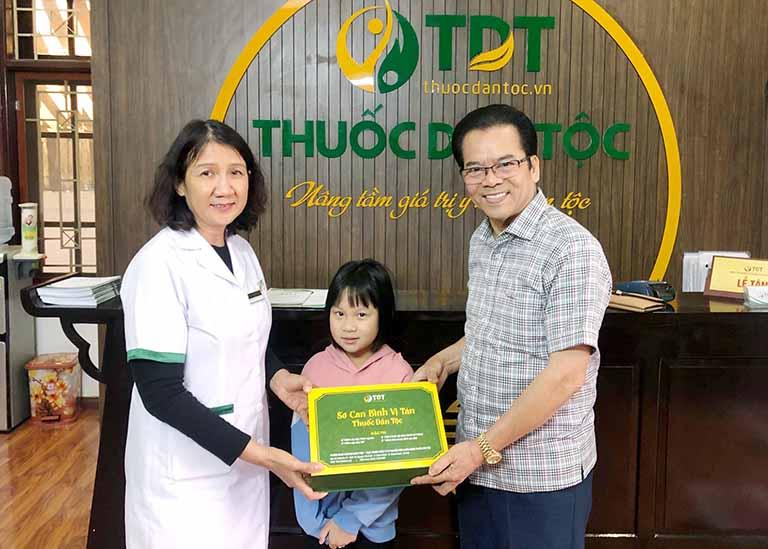 Cháu gái NS Trần Nhượng được bác sĩ Tuyết Lan hướng dẫn điều trị khỏi bệnh sau 6 tháng