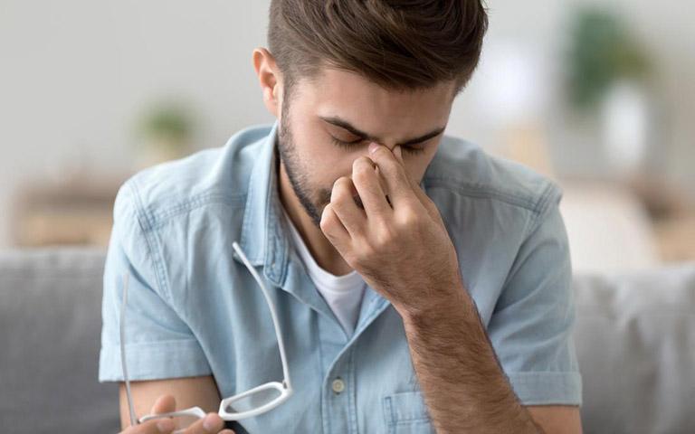 Phẫu thuật lệch vách ngăn mũi được chỉ định đối với các trường hợp bị lệch nặng hoặc trường hợp nhẹ nhưng xuất hiện các triệu chứng đau nhức nhiều